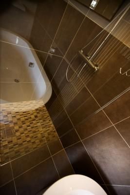 Bath tub reflection